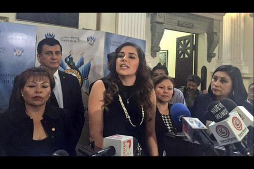 Las diputadas que acompañaron a Patricia Sandoval en la presentación de la iniciativa, dicen no apoyarla. (Foto: Archivo/Soy502)