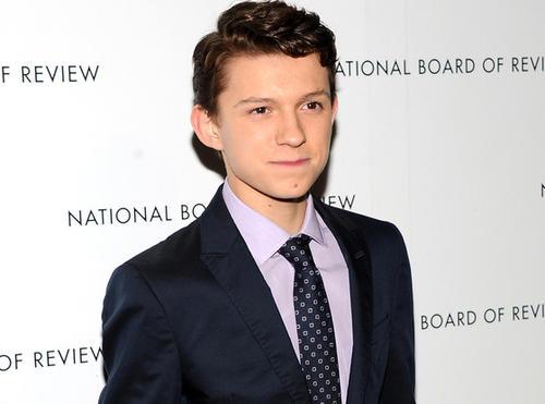 Tom Holland es el encargado de darle vida a Peter Parker durante su época escolar. (Foto: Archivo)