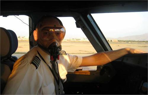 Algunos gases tóxicos han invadido las cabinas de varios aviones lo que ha provocado mareos en los pilotos. (Foto: hispaviacion.es)
