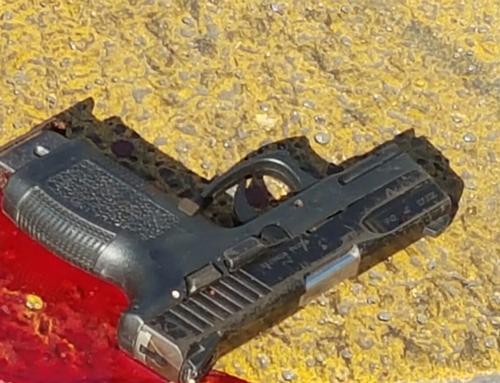 Esta es el arma de fuego con la que aparentemente se cometió el ataque en contra del taxista. (Foto: PNC)