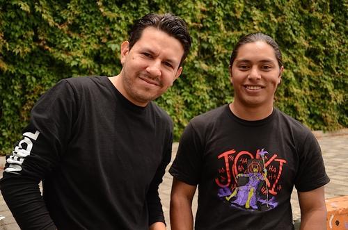 Diego y Elvis son los creadores de Plataforma Celeste, sesiones musicales en la web. (Foto: Selene Mejía/Soy502)