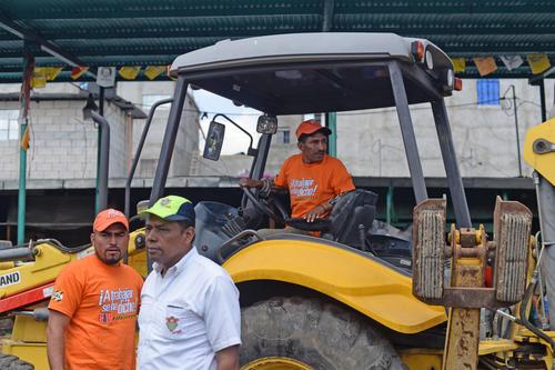 """Los empleados del Ministerio de Comunicaciones utilizan el color anaranjado del Partido Patriota para """"identificarse"""". (Foto: Esteban Biba/Soy502)"""