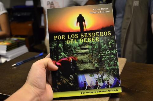 El libro se presentó en Sophos el 13 de junio de 2017. (Foto: Selene Mejía/Soy502)