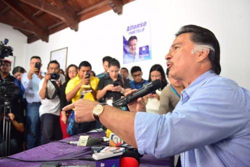 El exmandatario dijo que seguirá en el partido TODOS aunque el TSE le niegue su incripción. (Foto: Jesús Alfonso/Soy502)