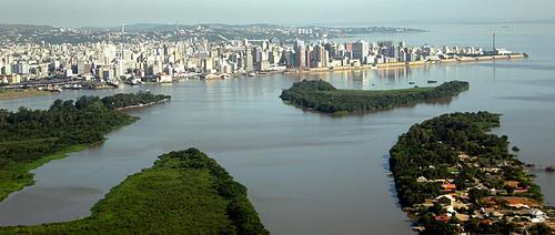 Porto Alegre se ubica al sur del país, a unos kilómetros de la frontera con Uruguay y Argentina. (Foto: Viajebrasil)