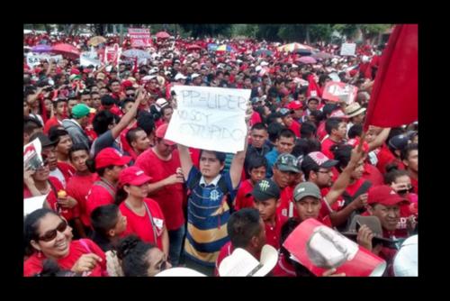 Rosales también protestó en un mitin multitudinario del partido Lider. (Foto: Archivo/Soy502)