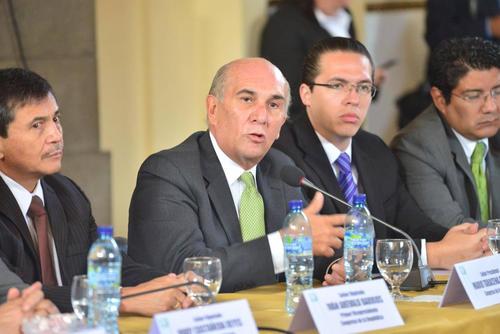El Presidente del Congreso Mario Taracena afirma que las plazas fantasma fueron autorizadas por Luis Rabbé. (Foto: Archivo/Soy502)