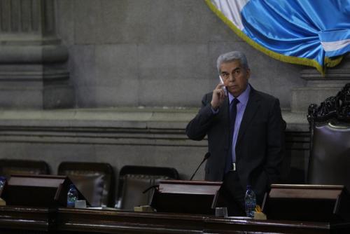El presidente del Congreso, Luis Rabbé, señaló que procede denunciar a los diputados porque presentan excusas. (Foto: Alexis Batres/Soy502)
