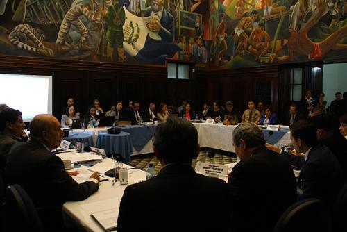 Las comisión de Asuntos Electorales sigue en discusión sobre las reformas a la Ley Electoral. (Foto: Alexis Batres/Soy502)