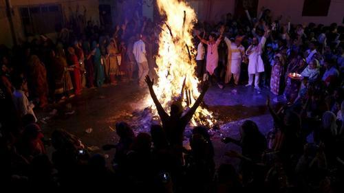 La fiesta de los colores la celebra una minoría de la población (Foto: EFE)