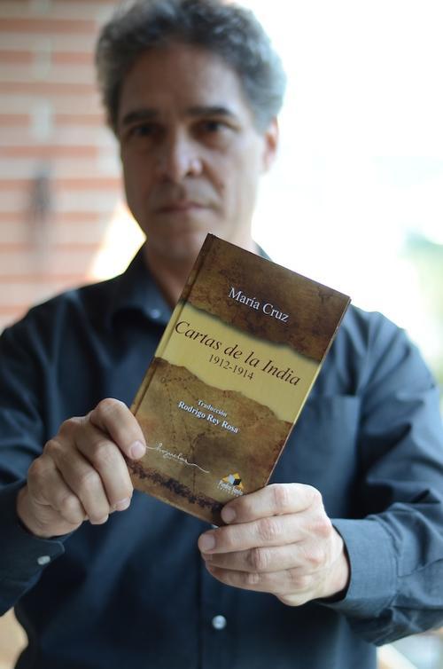 Tras varios años de trabajo, el libro ve la luz, bajo las editoriales Hojuelas y Piedra Santa. (Foto: Selene Mejía/Soy502)