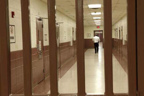 Esta es un corredor del Correccional Rivers, en Carolina del Norte, donde estuvo preso Herrera.