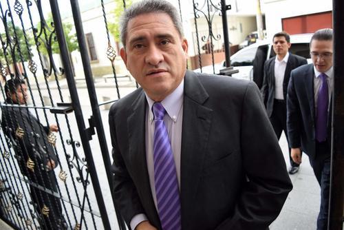 En 2011, cuando Roberto Alejos era presidente del Congreso fueron contratados 203 empleados. (Foto: Archivo/Soy502)