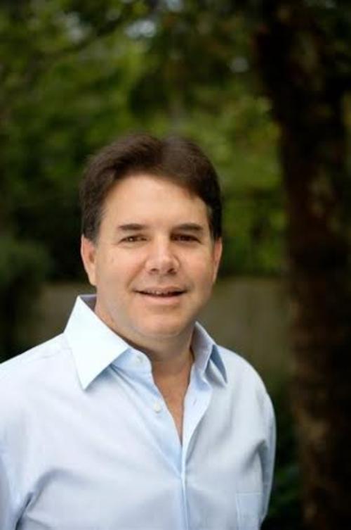 Es el candidato a la vicepresidencia por el partido UCN junto a Mario Estrada.  (Foto: Guatemala Elecciones)