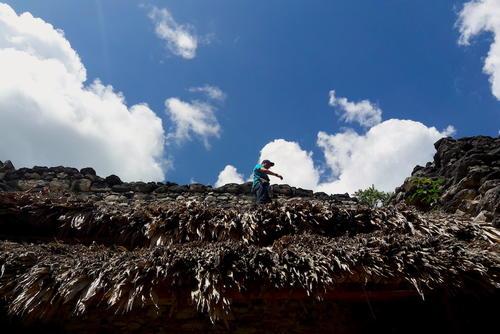 El palacio VXIII en Uaxactún tenía 18 habitaciones. (Foto: Javier Lainfiesta/Soy502)