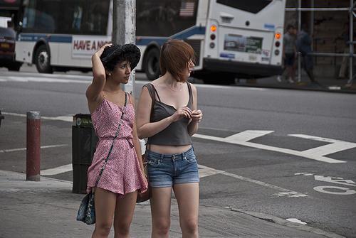 """La calle de Saint Marks Place en Manhattan es una de las más """"in"""" de la ciudad de Nueva York. (Foto: theweblicist.com)"""