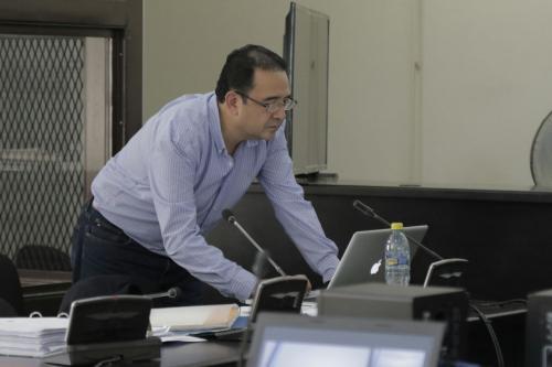 Los abogados de Sammy Morales presentaron la defensa técnica para evitar que el hermano del presidente vaya a juicio. (Foto: Alejandro Balán/Soy502)