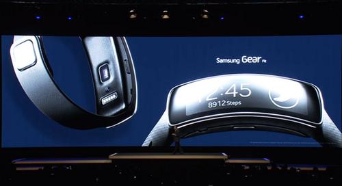 Samsung Gear, con nuevo diseño, espera mejorar los números de su antecesor, que no logró despegar.  (Foto: La Vanguardia)
