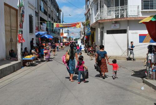 Lla mayor parte de los habitantes de San Raymundo hablan kakchiquel. (Foto: Will James/ WSHU)