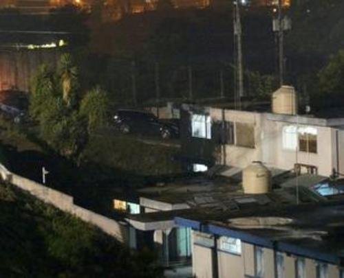 Debajo del depósito de agua, se ubica la habitación que ocupará Roxana Baldetti y la prisión de Santa Teresa.