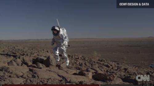 El traje ha sido probado en desiertos para comprobar su resistencia en territorios hostiles. (Foto: CNN)
