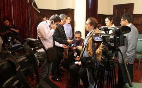 Otto Pérez informó de la situación mediante una entrevista telefónica.