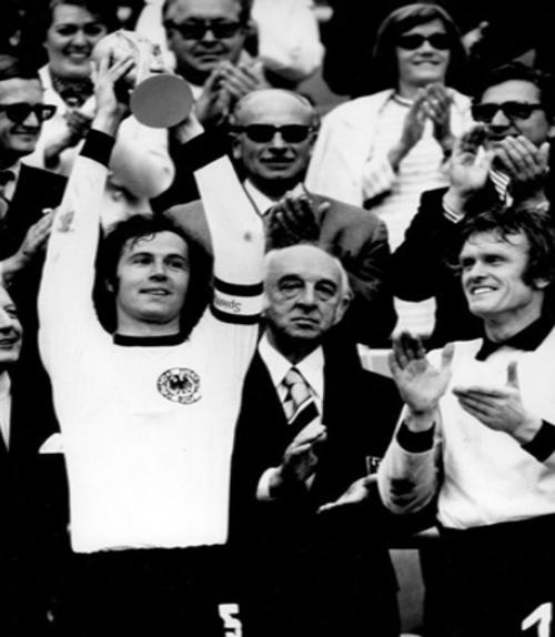 Alemania fue el primer país en alzar la nueva Copa del Mundo.