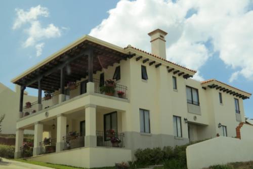Vista de la residencia de la jueza Jisela Reinoso que según la Cicig desborda su poder adquisitivo. (Foto: Cicig)