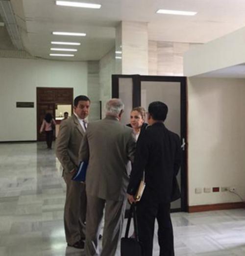 El día de la captura de su hijo, el 20 de mayo de 2015, Blanca Stalling llegó a la CSJ. (Foto: Archivo/Soy502)