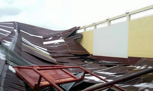 En la imagen se observan los daños causados por la caida de granizo. (Foto: Facebook/Rigo Mendoza)