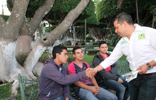 El candidato busca la alcaldía de la ciudad de Comitán de Domínguez, en Chiapas.  (Foto: Facebook/Mario Guillén)