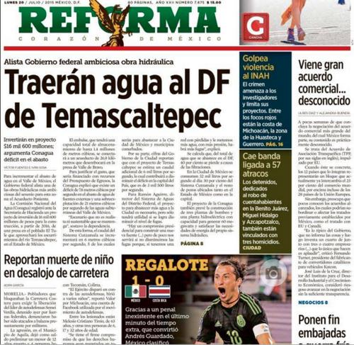 """El diario Reforma también cuestionó y dijo en su portada que fue un """"Regalote"""".  (Foto: Soy502)"""