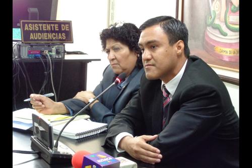 Otto Molina Stalling permanece en prisión preventiva sindicado de cobro ilegal de comisiones.