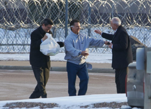 Alfonso Portillo en el momento que queda en libertad, luego de permanecer preso en una cárcel de Estados Unidos. (Foto: Archivo/Soy502)