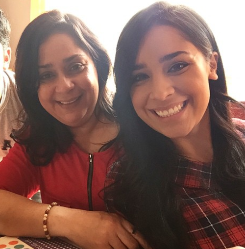 La jueza Jisela Reinoso junto a su hija Pamela Paz. (Foto: Facebook)
