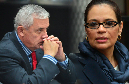 El expresidente Otto Pérez y la ex vicepresidenta Roxana Baldetti enfrentan un proceso judicial por su presunta implicación en el caso de corrupción La Línea. (Foto: Soy502)