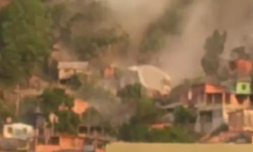 En la imagen captada del video, se observa la gigantesca roca.