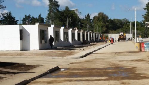 La viviendas para las víctimas de la tragedia de El Cambray ya están terminadas, pero aún no cuentan con energía eléctrica, ni agua potable. (Foto: Ejército)