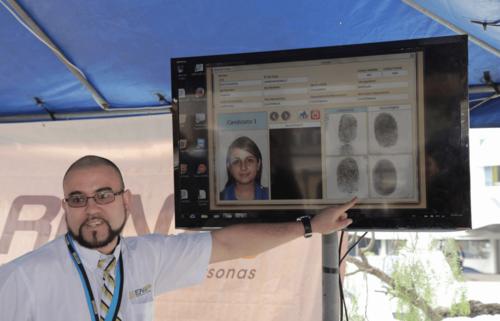 Los invitados que no porten DPI podrán ser identificados a través de su huella digital. (Foto: Jorge Rojas/Soy502)