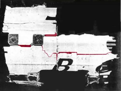 Imagen de uno de los aviones siniestrados en 1953, donde se ven fisuras que parten desde las esquinas de las ventanas. (Imagen: Captura de YouTube)