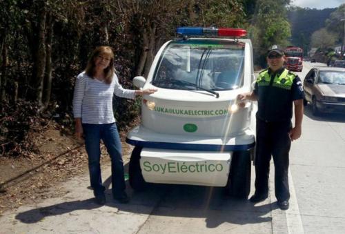 Estos vehículos eléctricos son ensamblados en Guatemala. (Foto: Municipalidad de Antigua Guatemala)
