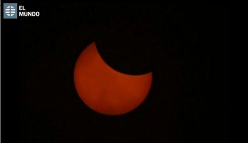 Los eclipses de Sol se producen cuando, desde la perspectiva de la Tierra, la Luna pasa por delante del Sol y lo oculta. (Foto: El Mundo)
