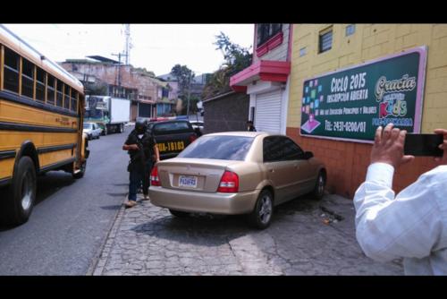 La joven fue localizada tras un allanamiento en un colegio de Mixco, donde además funciona una iglesia evangélica. (Foto: Nuestro Diario)