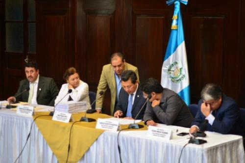 La Comisión Pesquisidora, conformada por diputados de diferentes bancadas, recomendó que se le retire la inmunidad al magistrado. (Foto: Roberto Caubilla/Soy502)