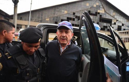 El juez habría facilitado una resolución en el caso Redes, a petición de César Medina Farfán (en la foto), detenido por el mismo proceso. (Foto: Archivo/Soy502)