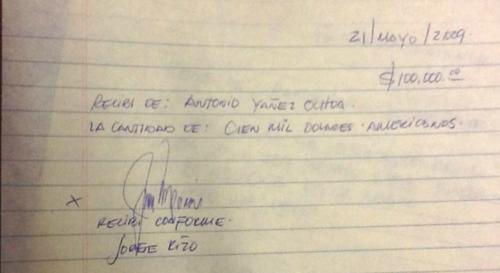 El alcalde firmó en 2009, un documento que lo compromete y vincula con el narcotraficante Antonio Yáñez. (Foto: Cicig)