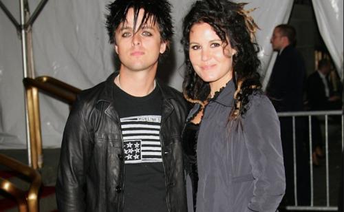 Billie Joe Armstrong junto a Adrienne Nesser. (Foto: Daily Dish)