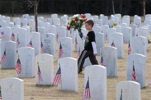 En 1971 el Congreso de EE.UU. acordó que el Día de los Caídos se conmemoraría con tres días de duelo el último lunes de mayo y el fin de semana previo. (Foto: AP)
