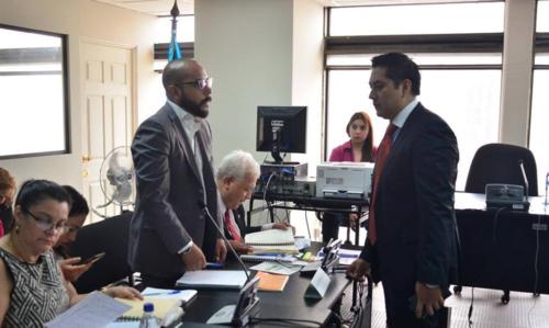 La defensa de Baldetti en todos los casos podría estar a cargo de Fernando Guerra, quien ya tiene a su cargo el caso TCQ. (Foto: Archivo/Soy502)