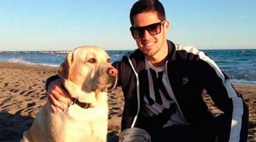 Isco y su perro Messi. (Foto: BarcaStuff.com)